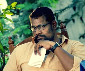 Stills of Telugu film Avu Puli Madhyalo Prabhas Pelli
