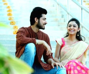 Stills of telugu film Kaadhali