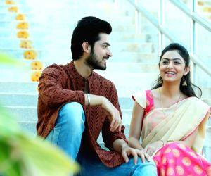 Stills of telugu film Kaadhali