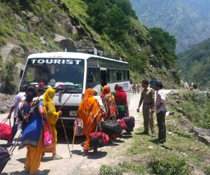 Stranded pilgrims of Hemkunt Saib rescued