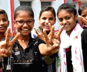 BSEB declares class 12 exam results, students celebrate