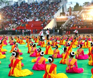 Students perform Kathak, attempt to enter Guinness World Records