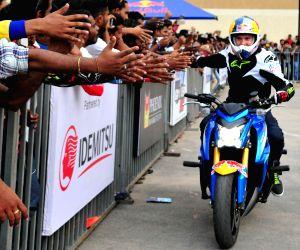 Stunt biking show - Aras Gibieza