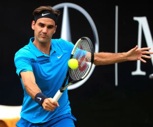 Federer defeats Ebden, advances to Halle semi-finals