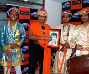 Sukhwinder at Radio City Musical-e-azam at Bandra.