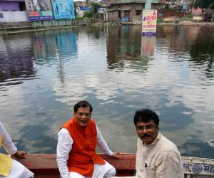 Darbhanga (Bihar): Bindeshwar Pathak inaugurates a project at Haribol Pond