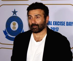 'I wouldn't like to see my son Karan in a remake': Sunny Deol