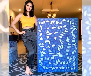 Free Photo: Sunny Leone finishes 'lockdown piece of art