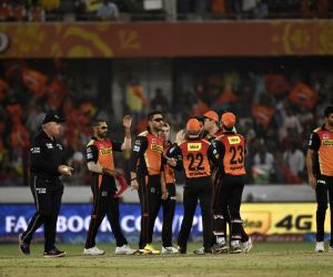 IPL - Sunrisers Hyderabad vs Gujarat Lions