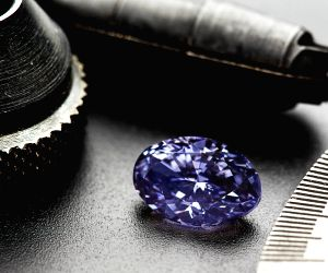 AUSTRALIA-SYDNEY-RARE VIOLET DIAMOND