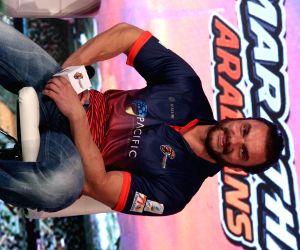 Virender Sehwag, Sohail Khan unveil Maratha Arabians' jersey