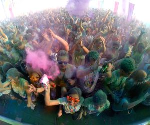 PHILIPPINES-TAGUIG CITY-COLOR MANILA RUN 2015