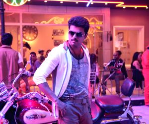 Tamil movie 'Kaththi' stills
