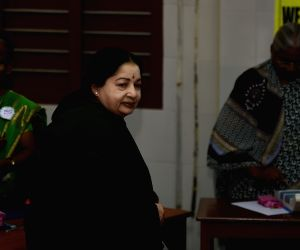 Tamil Nadu Assembly polls - Jayalalithaa arrives to cast his vote