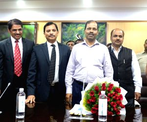 Tamil Nadu Chief Secretary meet Karnataka Chief Secretary