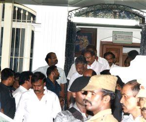 TN Deputy CM Panneerselvam meets MK Stalin