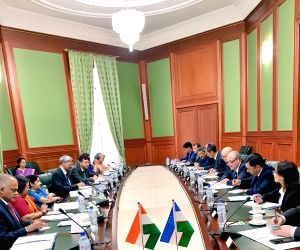 Tashkent (Uzbekistan): Sushma Swaraj meets Uzbek counterpart Abdulaziz Kamilov
