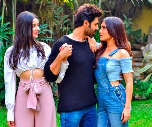 Quirky trailer of Pati Patni Aur Woh starring Kartik Aaryan, Bhumi Pednekar & Ananya Panday out today