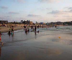 ISRAEL-TEL AVIV-HOLIDAY-ROSH HASHANAH
