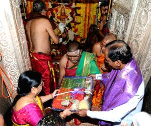 Telangana CM Chandrasekhar Rao at Maha Kali temple