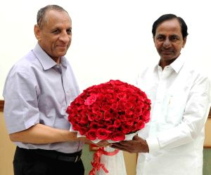 Telangana CM calls on Governor