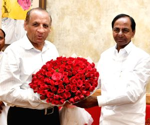 KCR calls on Governor E S L Narasimhan