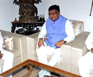 KCR meets Union Minister Ravi Shankar Prasad