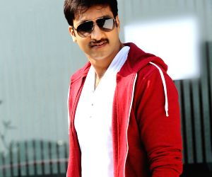 Telugu film actor Gopichand movie photos