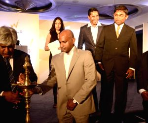 1996 World Cup winning squad of Sri Lanka at the launch of Wills Realtors