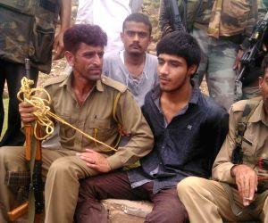 Militants kill two troopers on Jammu-Srinagar highway