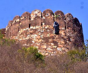 Padmavati': Body of man found hanging on Nahargarh Fort