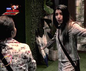 'Bigg Boss 13' Day 4: Shefali Bagga and Devoleena Bhattcharjee's fight gets ugly
