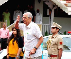 Mumbai: Gujarat Governor arrives at Mumbai Raj Bhavan
