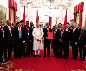 Jakarta (Indonesia): Indonesia CEOs Forum presents report to Modi