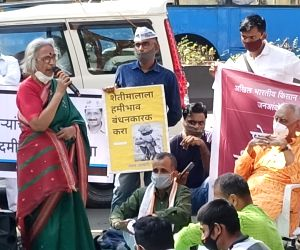 Now a 'Kisan Bagh' in Maharashtra, stirring Shaheen bagh memories
