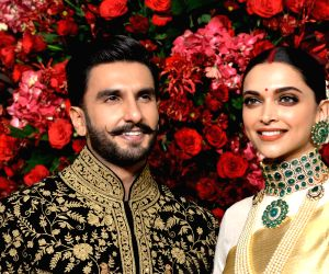 Deepika Padukone's special Ranveer post is truly all about heady love, fans go crazy!