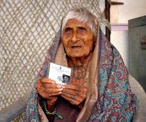 Rajkot's oldest voter votes during Gujarat election