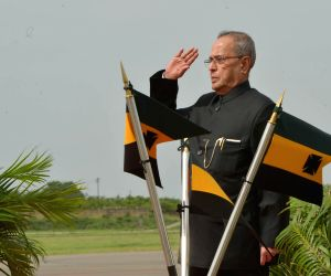Pranab Mukherjee at Begumpet Airport