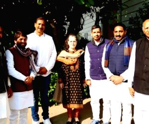 6 ex-BSP Rajasthan MLAs formally join Congress