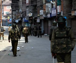 Third day of curfew imposed after the execution of Afzal Guru in Srinagar