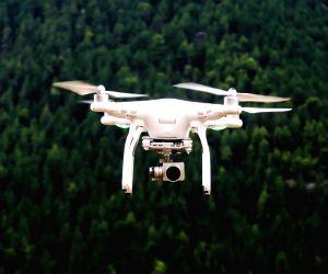 Sri Lanka lifts ban on drones