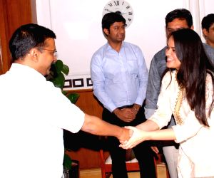 UPSC Toppers call on Arvind Kejriwal