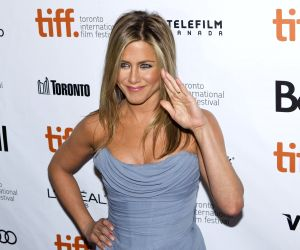 "TORONTO, Sep. 15, 2013 (Xinhua) -- Actress Jennifer Aniston attends the world premiere of the closing film ""Life of Crime"" at Roy Thomson Hall during the 38th Toronto International Film Festival in Toronto, Canada, Sept. 14, 2013. (Xinhua/Zou Zheng)"