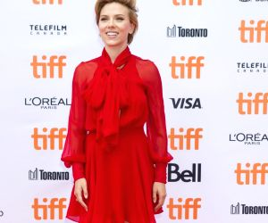 Scarlett Johansson, Colin Jost make loved-up red carpet debut