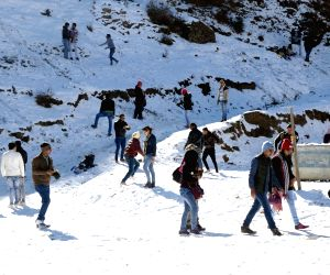 Snowfall - tourists