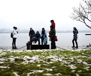 CHINA ZHEJIANG HANGZHOU SNOW SCENERY