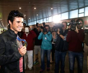 wuhan hindu singles Keep track of all the latest results from the men's and women's singles from the french open  french open 2016: all the results from the men's and women's singles.