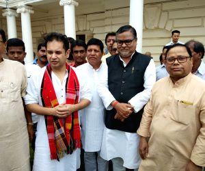 Three Tripura BJP leaders join Congress