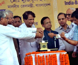 Prabhu flags off Agartala-Delhi train service