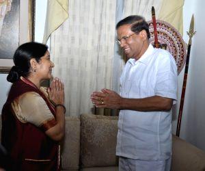 Colombo (Sri Lanka): Sushma Swaraj calls on Sri Lankan President